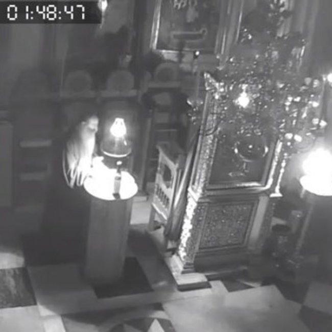 Σεισμός στο Άγιον Όρος: Πέφτουν οι σοβάδες και οι μοναχοί ψέλνουν - ΒΙΝΤΕΟ