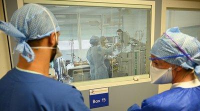 Βρετανία-κορωνοϊός: Η κυβέρνηση υπόσχεται συνεχή παροχή προστατευτικών ειδών στο ιατρικό προσωπικό
