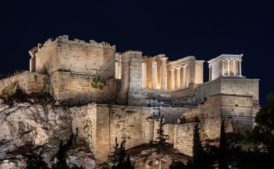 Αποδίδεται την Τετάρτη ο νέος φωτισμός της Ακρόπολης - ΒΙΝΤΕΟ