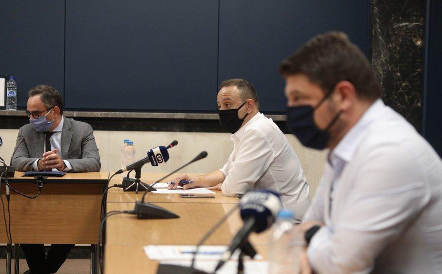 LIVE: Οι ανακοινώσεις για τις εξελίξεις της πανδημίας στη χώρα μας
