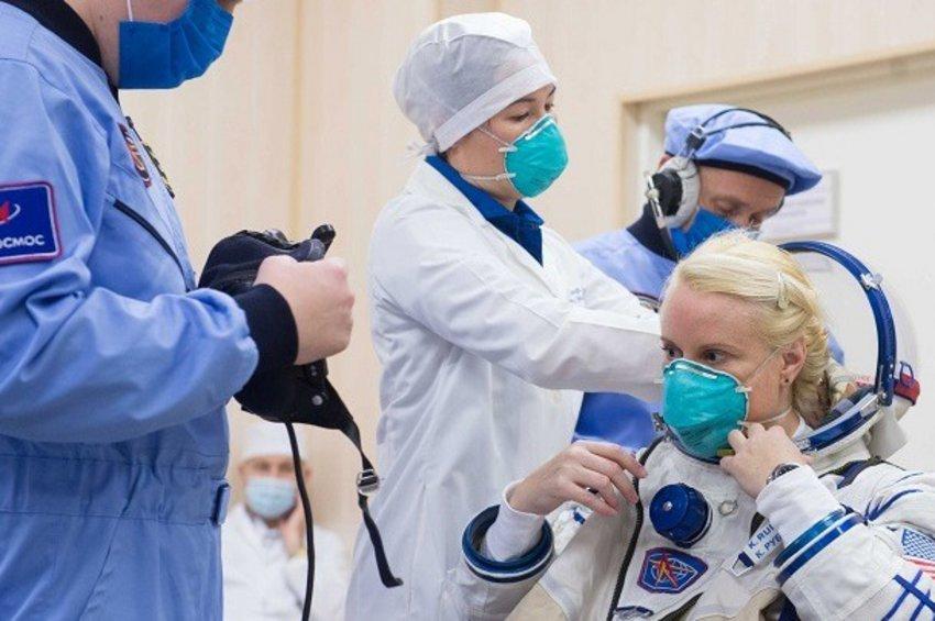 Ρώσοι κοσμοναύτες εντόπισαν την διαρροή οξυγόνου στον Διεθνή Διαστημικό Σταθμό με ένα φακελάκι τσαγιού