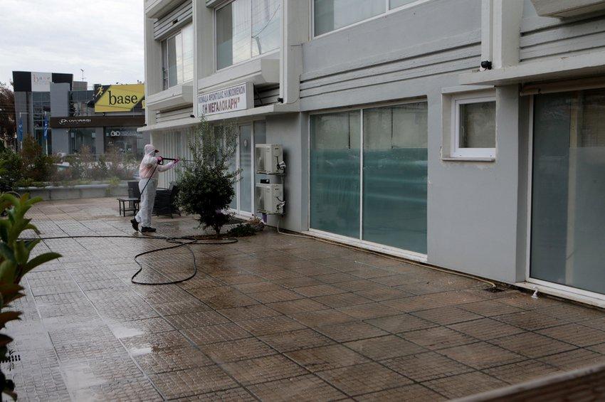 Δέκα τα κρούσματα κορωνοϊού σε γηροκομείο στη Γλυφάδα - Πέντε ηλικιωμένοι στο νοσοκομείο