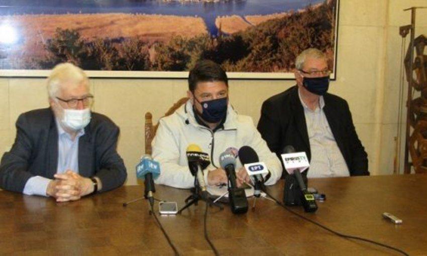 Κορωνοϊός - Χαρδαλιάς από Ιωάννινα: Κρίσιμα τα επόμενα 24ωρα, πρέπει να τηρούνται ευλαβικά και πειθαρχημένα τα μέτρα