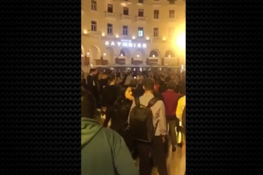 Κορωνοϊός - Θεσσαλονίκη: Το αδιαχώρητο στην πλατεία Αριστοτέλους το βράδυ - ΒΙΝΤΕΟ