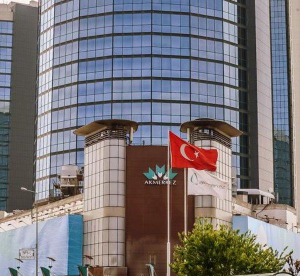Η τουρκική οικονομία καταρρέει - Σε νέο ιστορικό χαμηλό η λίρα