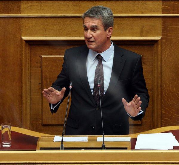 Λοβέρδος: Υπερψηφίζουμε την πρόταση μομφής, δεν ταυτιζόμαστε όμως με τους «ιππότες σωτηρίας» του ΣΥΡΙΖΑ που έκαναν τα ίδια