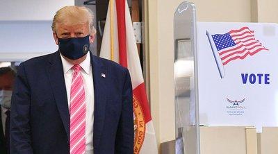 ΗΠΑ: Ο Τραμπ ψήφισε στη Φλόριντα, ελπίζοντας να κερδίσει το χαμένο έδαφος έναντι του Μπάιντεν