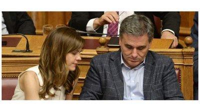 Κοινή δήλωση Αχτσιόγλου και Τσακαλώτου: Καμία απόσταση και κανένας αστερίσκος στον ΣΥΡΙΖΑ