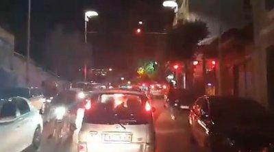 Πάτρα: Κυκλοφοριακό χάος τα μεσάνυχτα - Ηχητικά σήματα από τα περιπολικά και επεισόδιο σε πλατεία