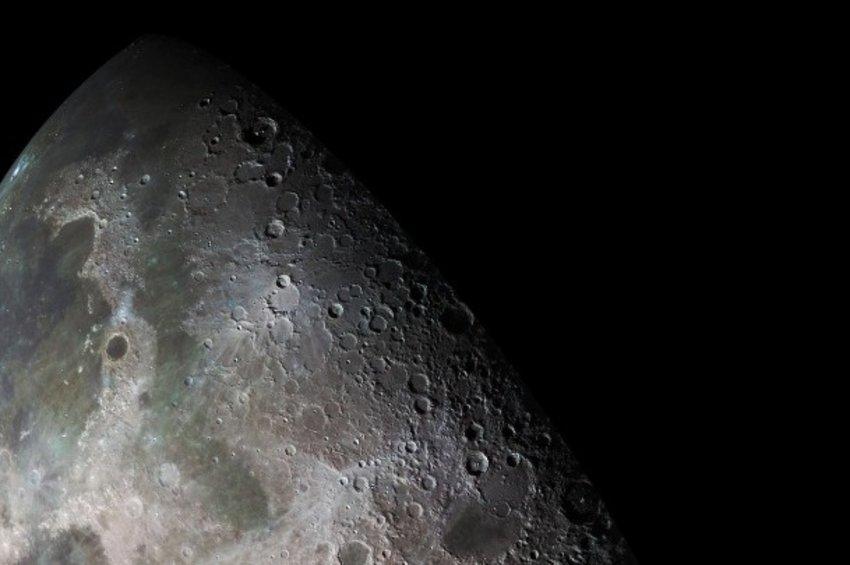 Σπουδαία ανακάλυψη από τη NASA: Ανίχνευσε νερό στη Σελήνη