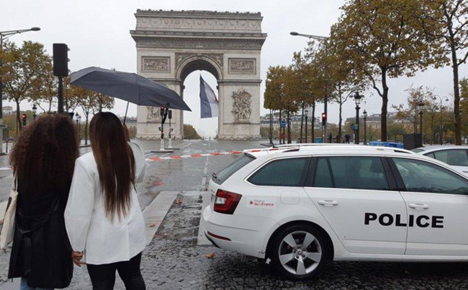 Συναγερμός στο Παρίσι: Εκκενώθηκε η Αψίδα του Θριάμβου έπειτα από τηλεφώνημα για βόμβα - BINTEO