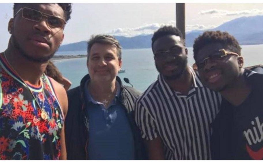 Γιάννης Αντετοκούνμπο: Στη Ναύπακτο μαζί με τα αδέλφια του Θανάση και Κώστα