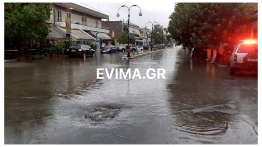 Η «Κίρκη» έπληξε την Εύβοια - Ποτάμια οι δρόμοι στη Χαλκίδα - ΒΙΝΤΕΟ