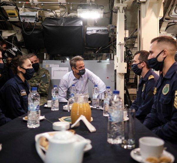 Τι είπε ο πρωθυπουργός στο πλήρωμα του υποβρυχίου «Κατσώνης» στη Σούδα