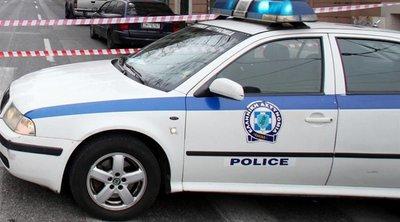 Οκτώ άτομα χτύπησαν και λήστεψαν 18χρονο στο Μετς
