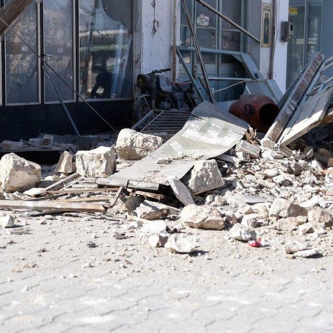 Σεισμός 6,7 Ρίχτερ στη Σάμο: 8 τραυματίες και πολλές ζημιές σε κτίρια και καταστήματα
