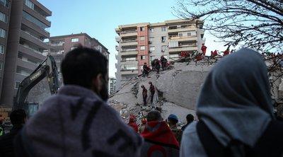 Στους 25 ανήλθαν οι νεκροί στη Σμύρνη από τον σεισμό - Αγωνιώδεις προσπάθειες των σωστικών συνεργείων, απεγκλώβισαν τουλάχιστον 100 άτομα - ΒΙΝΤΕΟ