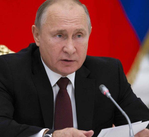 Συλλυπητήρια Πούτιν σε Μητσοτάκη για τον σεισμό στη Σάμο