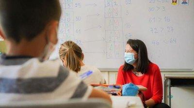 Ποια σχολεία θα ανοίξουν πρώτα - Τι αναφέρει η Κεραμέως για τηλεκπαίδευση και tablets