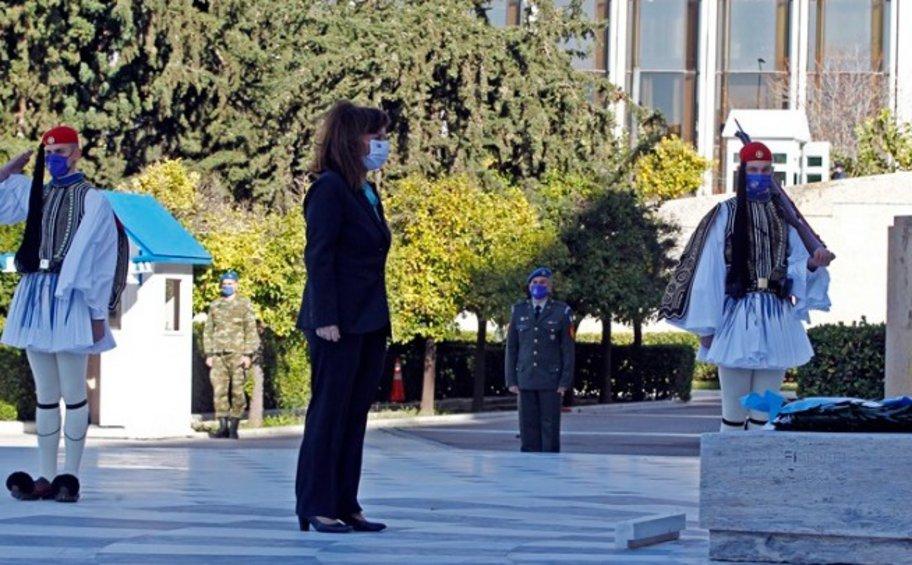 Σακελλαροπούλου: Ο αγώνας των Ενόπλων Δυνάμεων να αποκρούσουν κάθε απειλή αξίζει τον σεβασμό και την ευγνωμοσύνη όλων μας