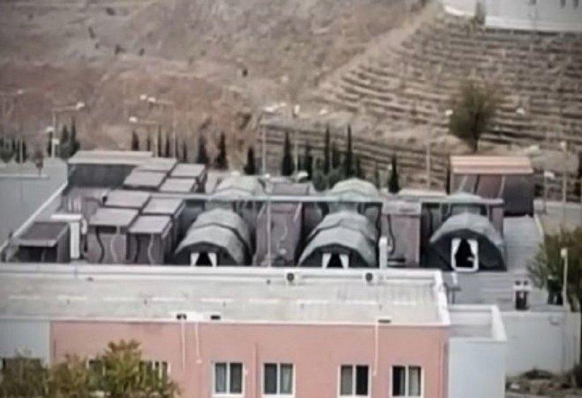 Στήνουν κινητή μονάδα για κορωνοϊό στο πάρκινγκ του 424 Στρατιωτικού Νοσοκομείου Θεσσαλονίκης
