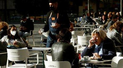 Βαρκελώνη: Άνοιξαν μπαρ και εστιατόρια έπειτα από 5 εβδομάδες