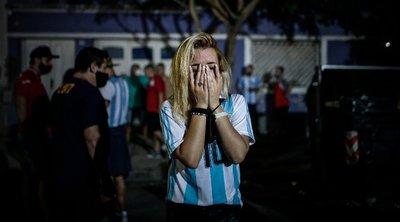 Xιλιάδες φίλαθλοι στους δρόμους τίμησαν τη μνήμη του Ντιέγκο - ΒΙΝΤΕΟ-ΦΩΤΟ