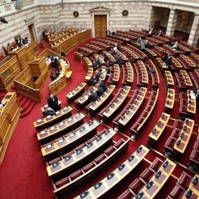 Ο ΣΥΡΙΖΑ καταψήφισε τη μείωση ασφαλιστικών εισφορών - Πέτσας: «Και όμως δεν είναι fake news!»