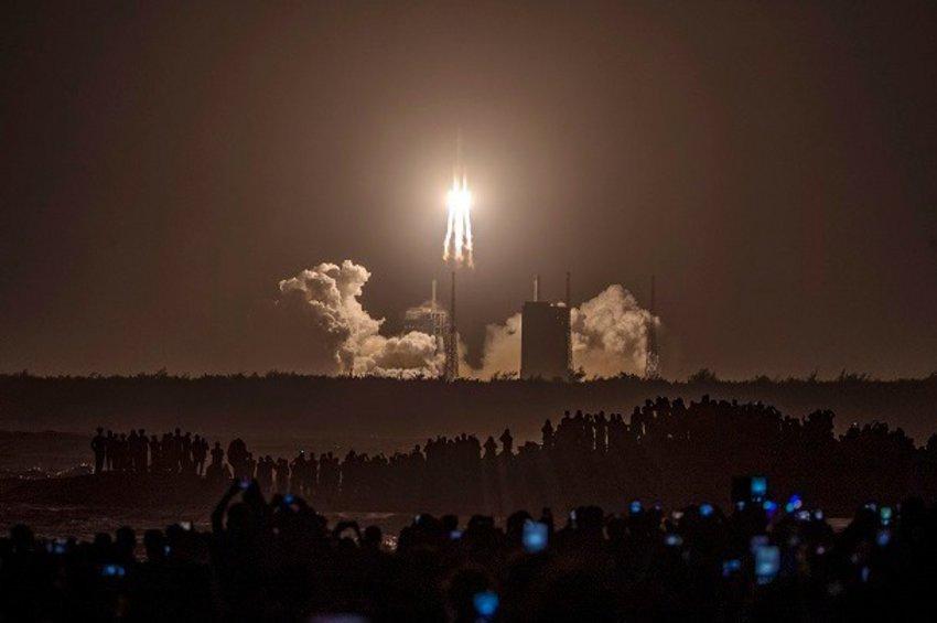 Επιστρέφει στη Γη το ρομποτικό σκάφος Chang'e 5 μετά την επιτυχή ολοκλήρωση της αποστολής του
