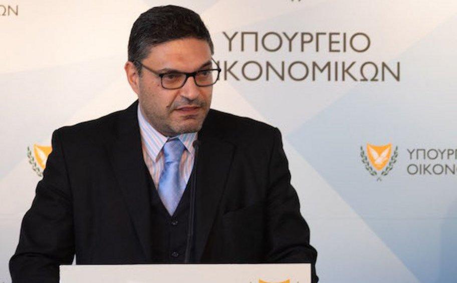 Κύπρος: «Η κοινωνία δεν μπορεί πλέον να επιδοτεί τους μη εμβολιασμένους εις βάρος άλλων κοινωφελών πολιτικών»