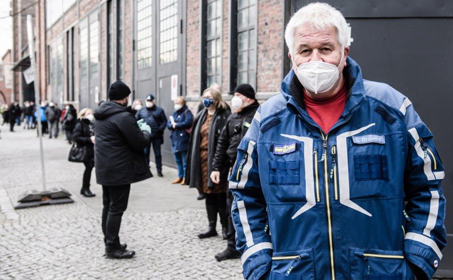 Γερμανία: Σχεδόν ο ένας στους δύο πολίτες πιστεύει ότι δεν μπορεί να εκφραστεί ελεύθερα για συγκεκριμένα θέματα, σύμφωνα με έρευνα