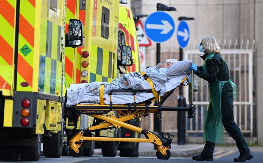 Βρετανία-κορωνοϊός: Συγγνώμη του Βρετανού υπουργού Υγείας έπειτα από ένα «ατυχές» tweet