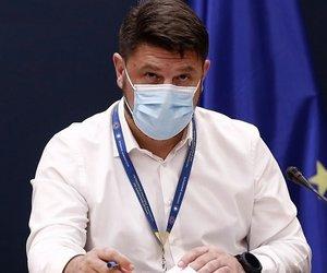 Στις 18:00 οι ανακοινώσεις για τη χρήση μάσκας σε εξωτερικούς χώρους