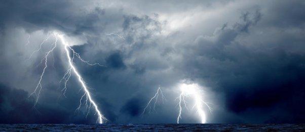 «Αγριεύει» ο καιρός: Βροχές, καταιγίδες, χιόνια και μποφόρ - Πού αναμένονται έντονα φαινόμενα