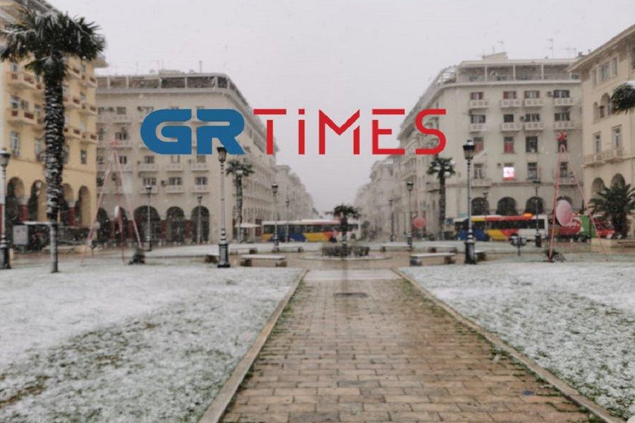 Στα λευκά η Θεσσαλονίκη - Που χρειάζονται αντιολισθητικές αλυσίδες - ΦΩΤΟ - ΒΙΝΤΕΟ