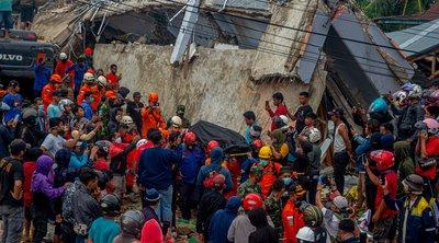 Ινδονησία: Τους 56 έφτασαν οι νεκροί από τον ισχυρό σεισμό των 6,2 Ρίχτερ - 826 οι τραυματίες
