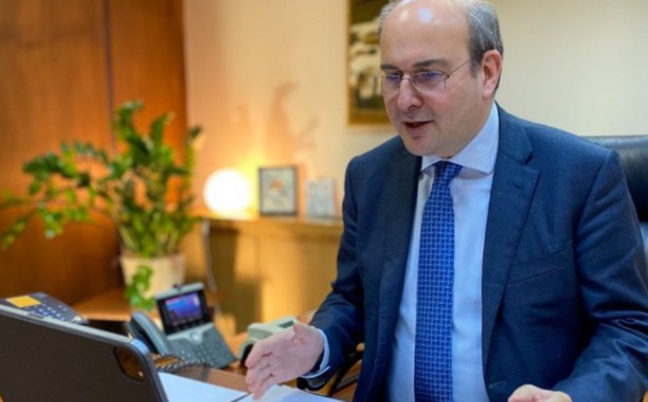 Τα τέσσερα θέματα που συζητήθηκαν στην τηλεδιάσκεψη του υπουργού Εργασίας Κωστή Χατζηδάκη, με τους επικεφαλής των θεσμών