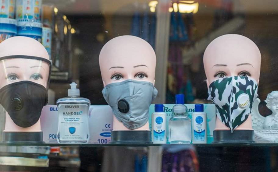 Γαλλία: Οι υφασμάτινες μάσκες δεν προσφέρουν επαρκή προστασία από τις μεταλλάξεις του κορωνοϊού - ΒΙΝΤΕΟ