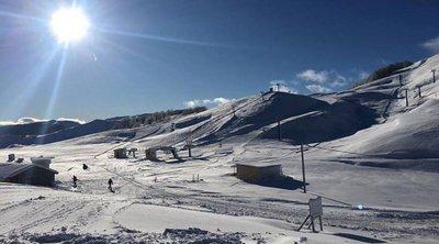 Πρόστιμο σε τέσσερις σκιερ που έκαναν σνόουμπορντ στο κλειστό χιονοδρομικό της Βασιλίτσας - ΒΙΝΤΕΟ