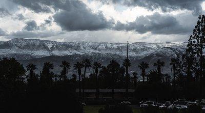 Πρωτόγνωρο σκηνικό: Χιόνισε σε Καλιφόρνια, Αριζόνα και Νεβάδα - Ανακούφιση στις δυτικές ΗΠΑ που πλήττονται από ξηρασία