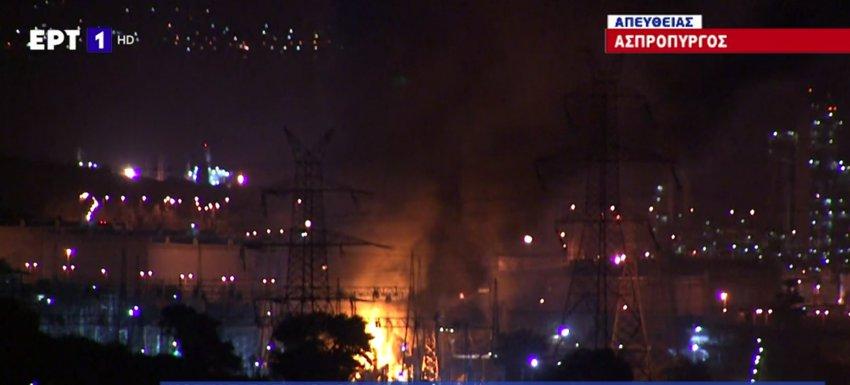 Μπλακ άουτ σε περιοχές της Αττικής και της Πελοποννήσου - Φωτιά στο ΚΥΤ Κουμουνδούρου