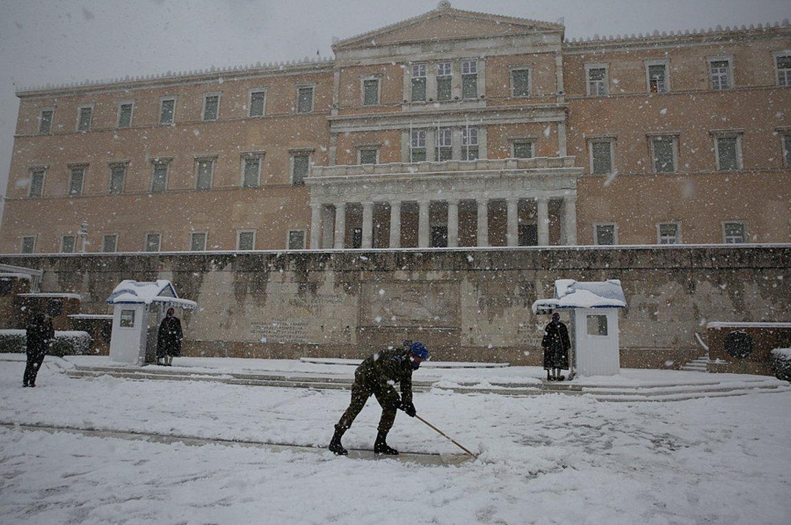 Αποτέλεσμα εικόνας για πρωί Τετάρτης, χιονοπτώσεις, Αττική, Εύβοια, Κυκλάδες, Κρήτη, Κακοκαιρία Μήδεια, χιόνι