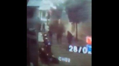 Το βίντεο ντοκουμέντο από την επίθεση με μολότοφ στο Αστυνομικό Τμήμα Καισαριανής