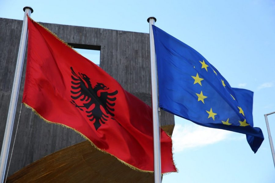 Βρυξέλλες: Υπάρχει πρόοδος στις μεταρρυθμίσεις της υποψήφιας προς ένταξη Αλβανίας