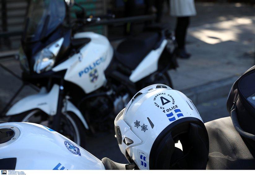Επεισόδιο στην Πανόρμου: Οι αστυνομικοί αρνούνται ότι έσπασαν το φανάρι του Ι.Χ.