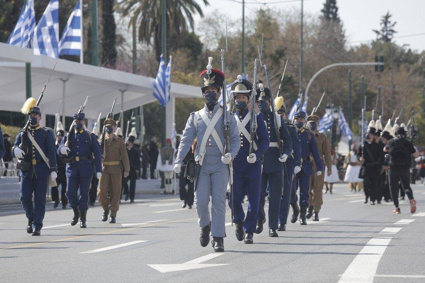 200 χρόνια από την Επανάσταση του 1821: Η μεγαλειώδης στρατιωτική παρέλαση - ΒΙΝΤΕΟ