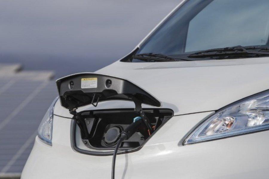 Ηλεκτρικά αυτοκίνητα έχουμε, μπαταρίες; (audio)