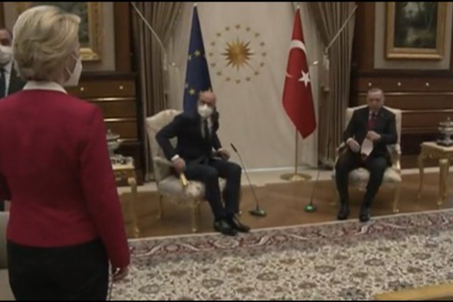 BΙΝΤΕΟ: Όταν ο οικοδεσπότης Ερντογάν άφησε όρθια την Ούρσουλα