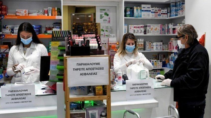 Την Παρασκευή, 700.000 self tests στα φαρμακεία - Η διαφορά τους από τα rapid tests