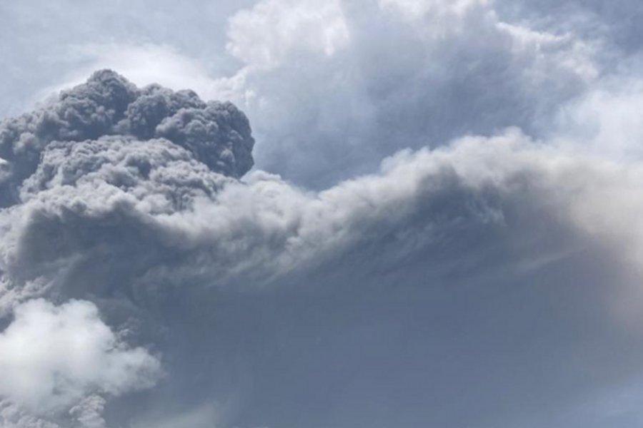 Άγιος Βικέντιος και Γρεναδίνες: Τέφρα καλύπτει το νησί της Καραϊβικής μετά την έκρηξη του ηφαιστείου Λα Σουφριέρ - ΒΙΝΤΕΟ